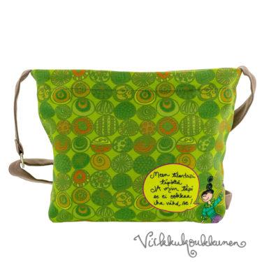 Ihana kotimainen Virkkukoukkusen vihreä Aikku laukku. Suomessa valmistetussa näpsässä laukussa on säädettävä olkahihna ja se on 100% puuvillaa.