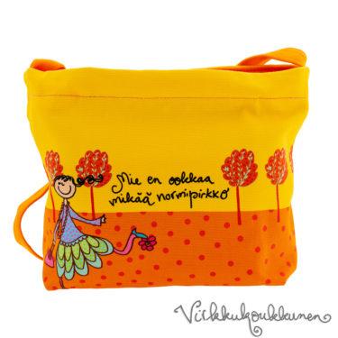 Ihana kotimainen Virkkukoukkusen oranssikeltainen Aikku laukku. Suomessa valmistetussa näpsässä laukussa on säädettävä olkahihna ja se on 100% puuvillaa.