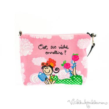 """Söpö Virkkukoukkusen vetoketjullinen canvas-laukku """"Oot sie vähä onnelline""""-tekstillä. Suomessa valmistettu vaaleanpunainen pikkuveska on 100% puuvillaa."""