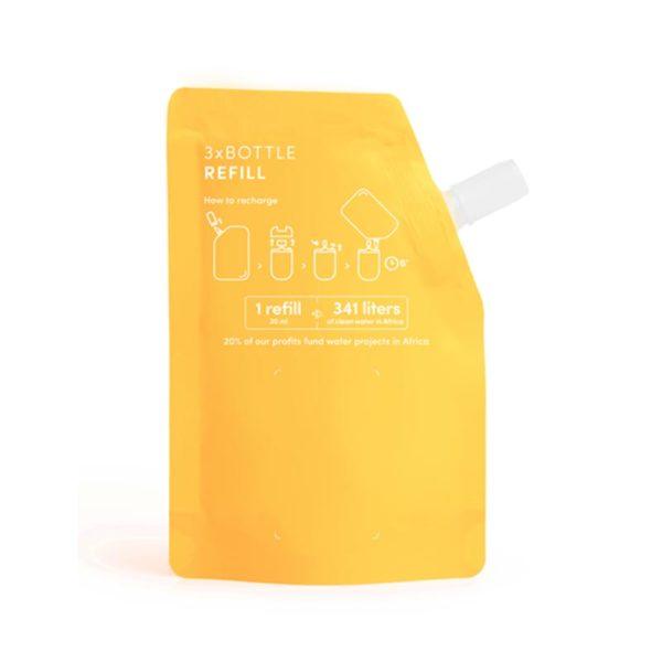 Haan käsidesin täyttöpakkaus Citrus Noon tuoksuu oikein raikkaalta sitruunalta ja appelsiinilta. Tästä täyttöpussista voit täyttää HAAN täytettävän taskukokoisen käsidesin yli kolme kertaa.
