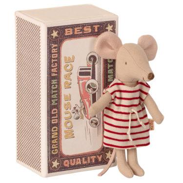 Maileg Big sister mouse in matchbox - Mailegin suloinen isosiskohiiri laatikossa.
