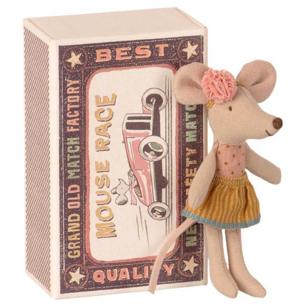 Maileg Little sister mouse in matchbox - Mailegin suloinen pikkusiskohiiri laatikossa.