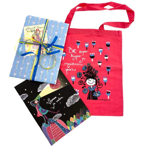 Virkkukoukkusen kevätlahja - ihana lahjapaketti opettajalle, päiväkodinhoitajalle tai ystävälle. Ihana kangaskassi, vihko, paketointi ja käsinkirjoitettu kortti.