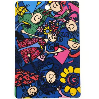 Kotimaisesta koivusta kotimaassa tehty leikkuulauta sinisellä Porukalla-kuosilla. Reikä ripustamista varten. Ihana kuva on molemmin puolin leikkuulautaa.