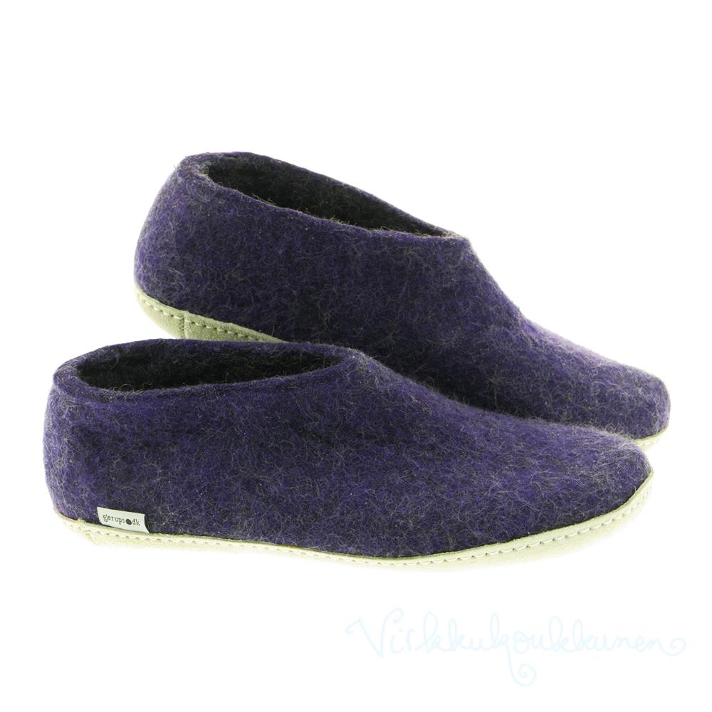 Aikuisten violetit huopatossut