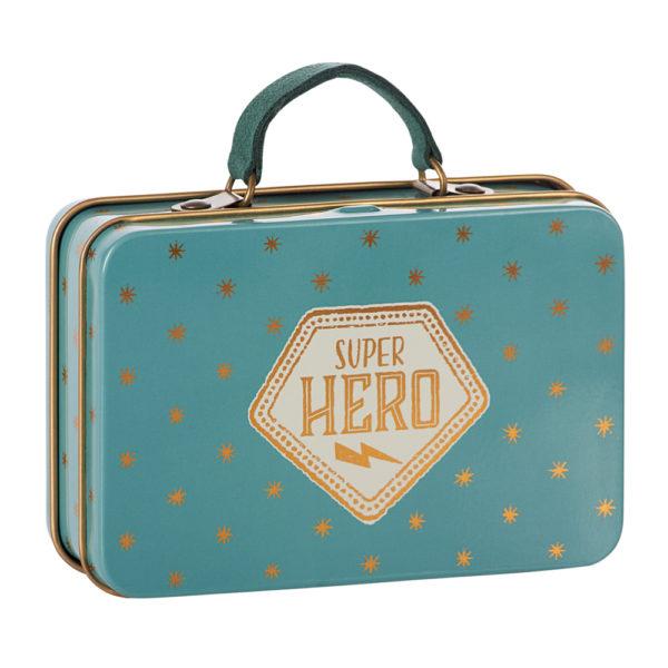 """Maileg metallinen matkalaukku """"Super Hero"""""""