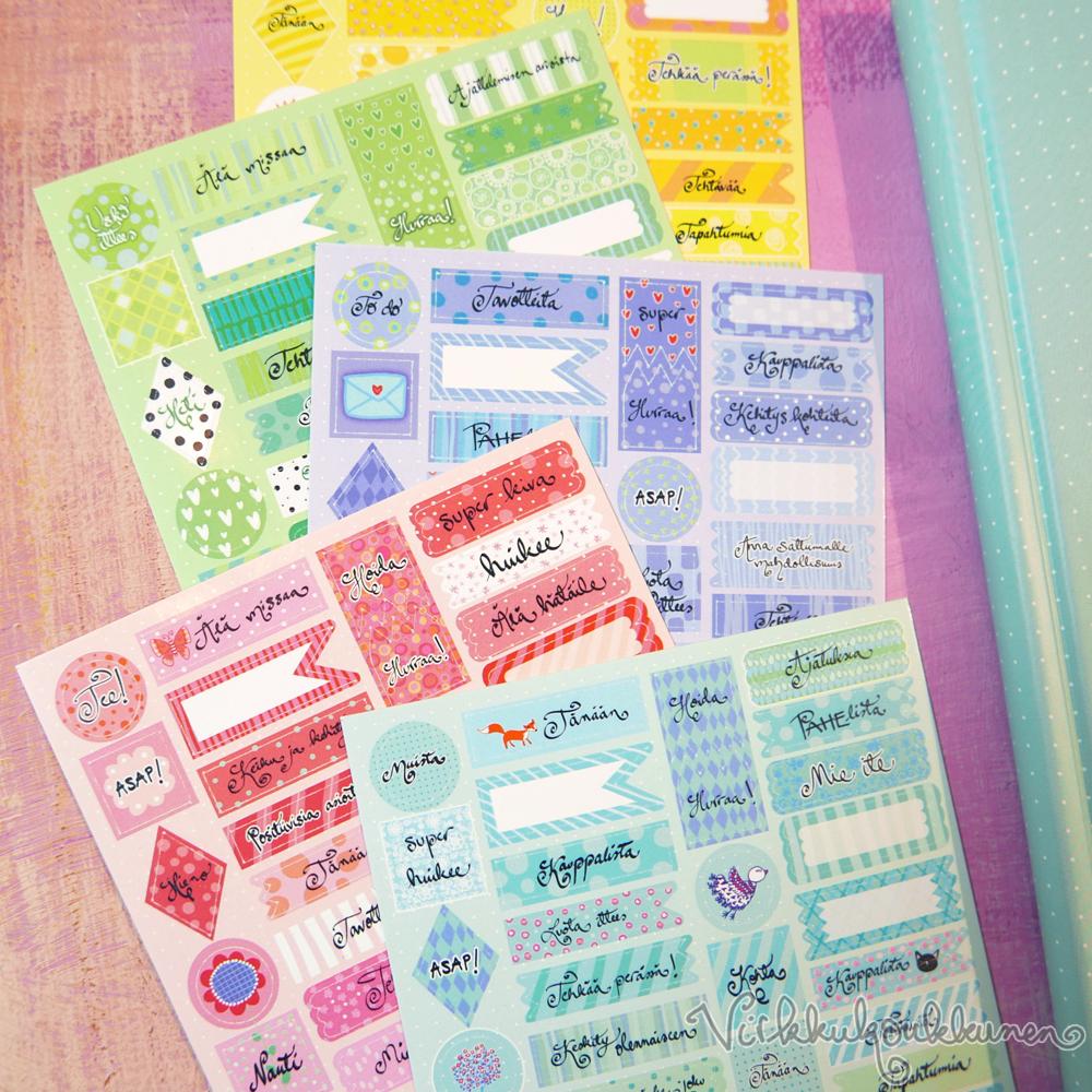 Kalenteritarrat, viisi eriväristä arkkia